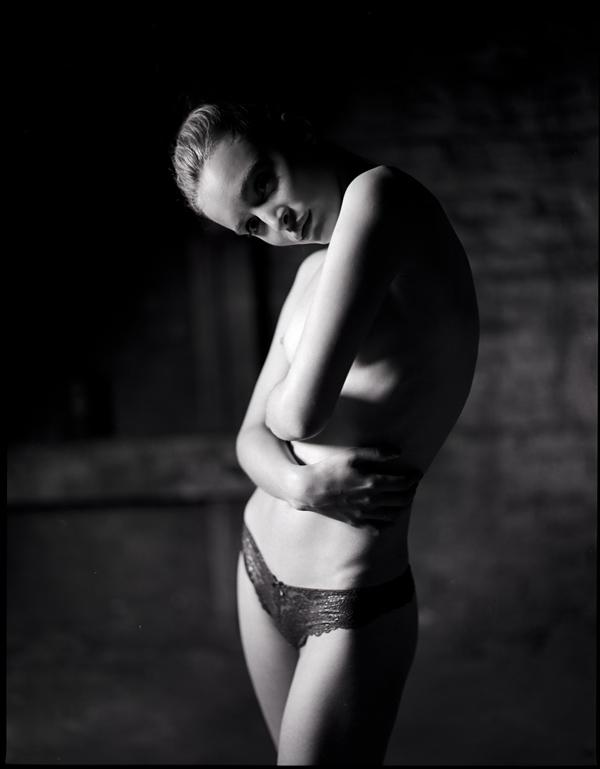 Hannes Caspar - La Desnudez del Aura